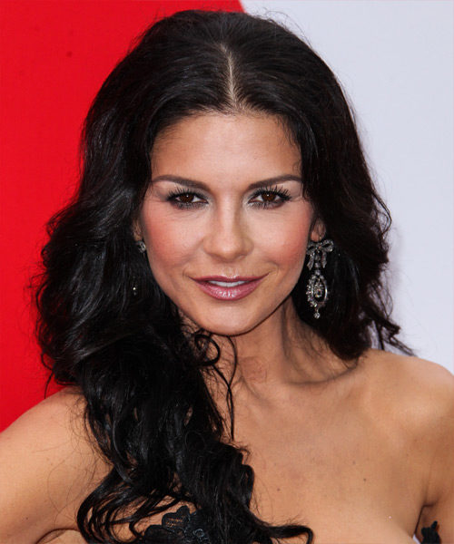 Catherine Zeta-Jones Height, Weight And Other Measurements To The Nearest Millimeter-7014