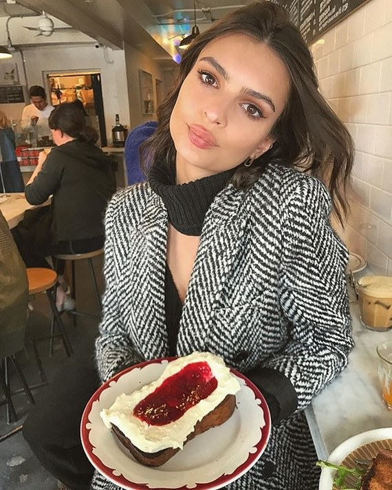 Emily Ratajkowski Height and Weight
