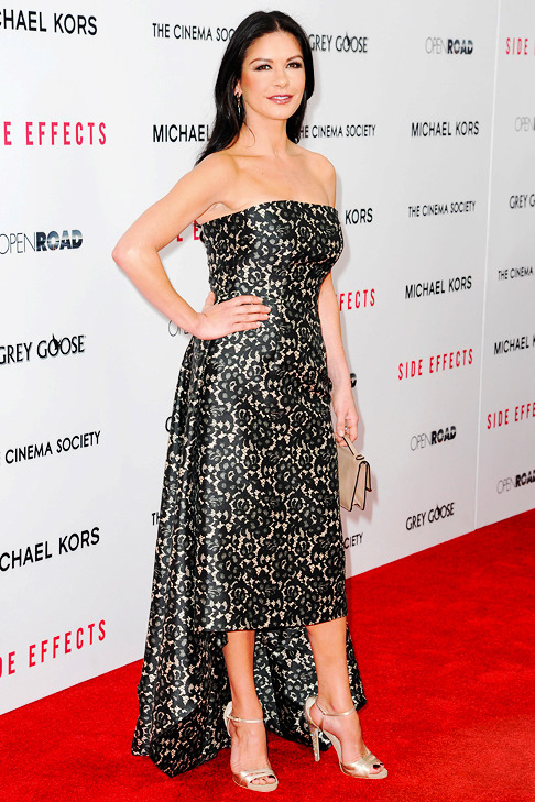 Catherine Zeta-Jones Height, Weight And Other Measurements To The Nearest Millimeter-3478
