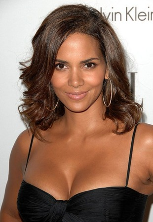 Halle Berry Height and Weight