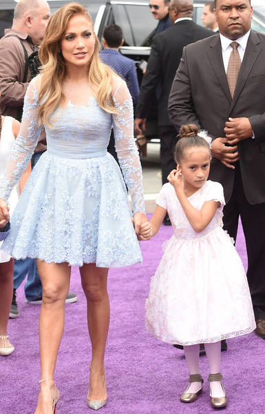 Emme Maribel Muñiz and her mother, Jennifer Lopez