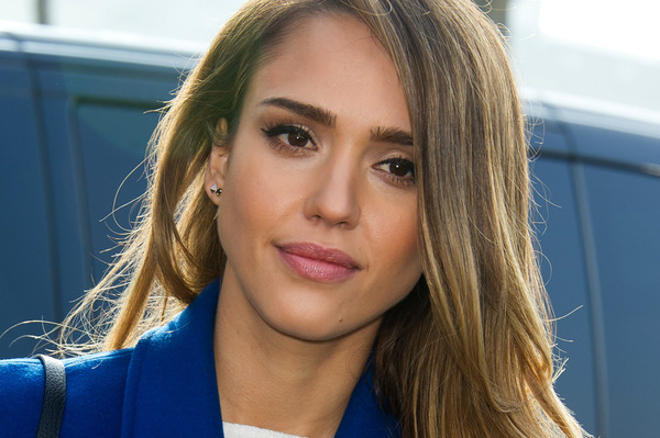 Jessica Alba Height and Weight
