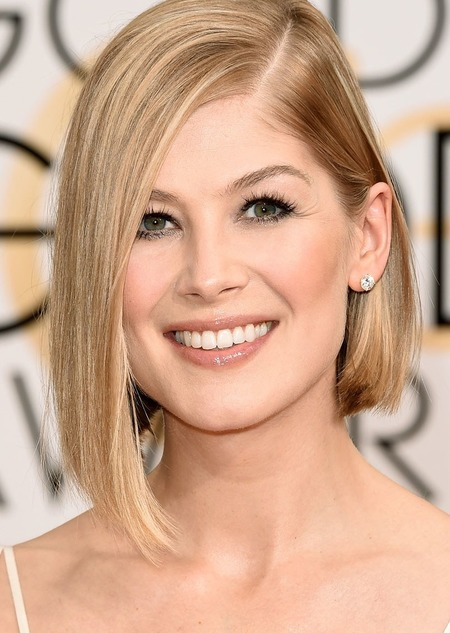 Rosamund Pike body measurements. Her height and weight to ...