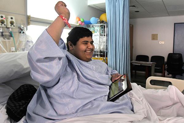 Khalid Bin Mohsen Shaari weighed 1,345lb (610 kg)