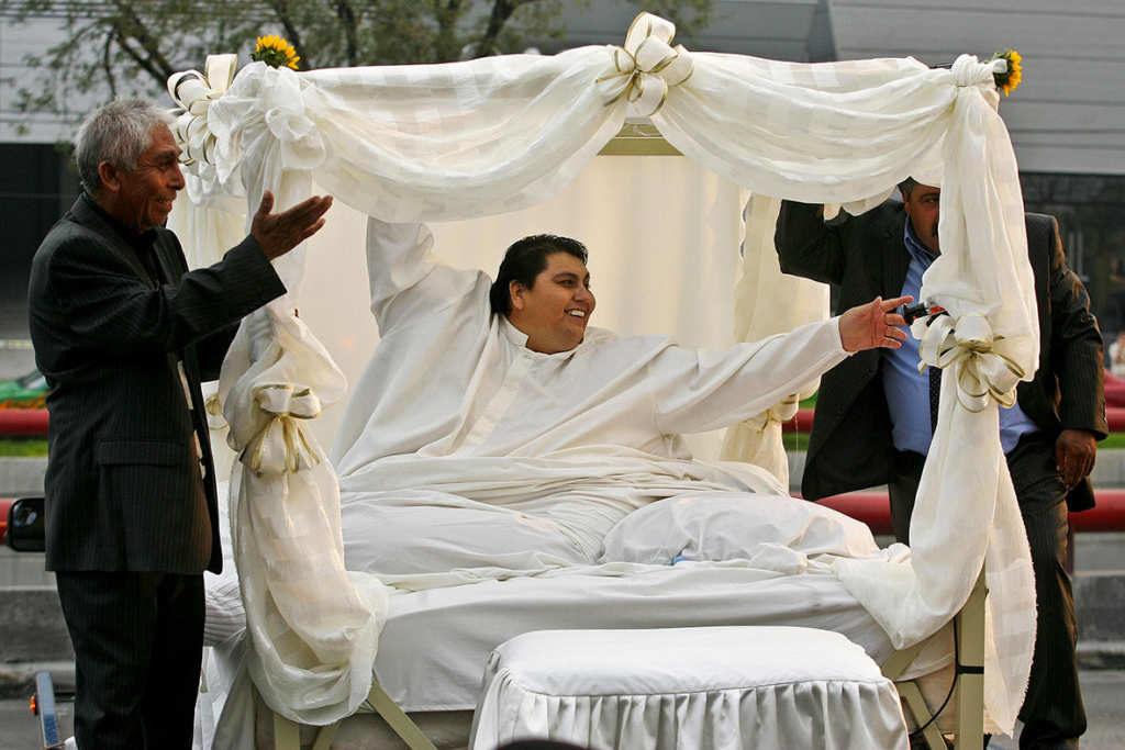 Manuel Uribe weighed 1,320lb (588 kg)