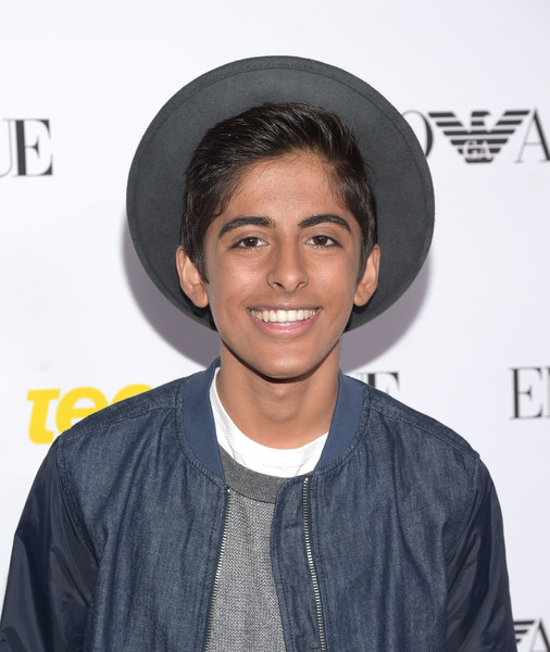 Karan Brar's body measurements are 35-30-11.5 in / 89-76-29 cm
