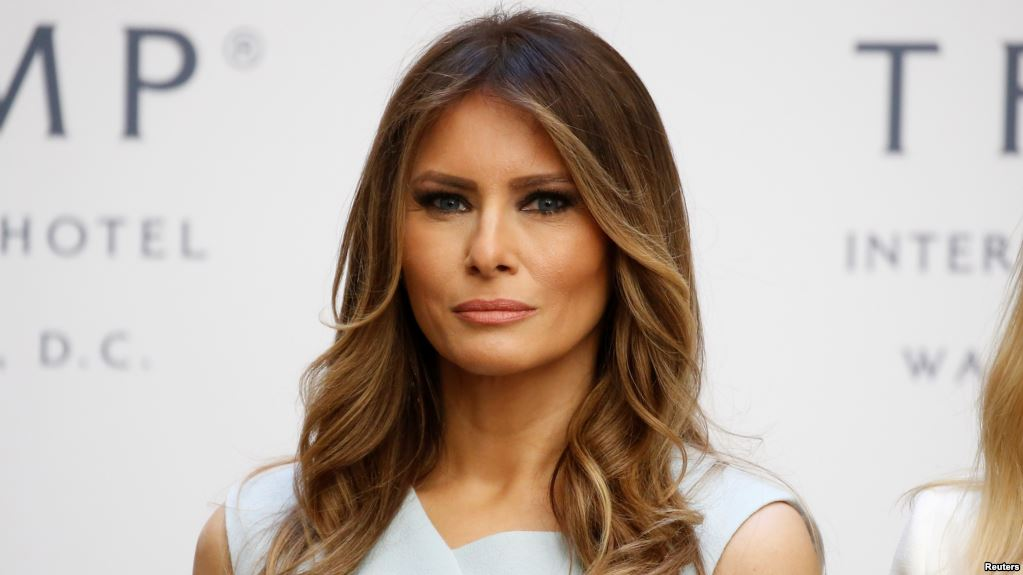"Melania Trump is 5'11""/180 cm and she weighs 137 lbs /62 kg"