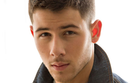 "Nick Jonas is 5'9""/175 cm and he weighs 150 lbs/68 kg"