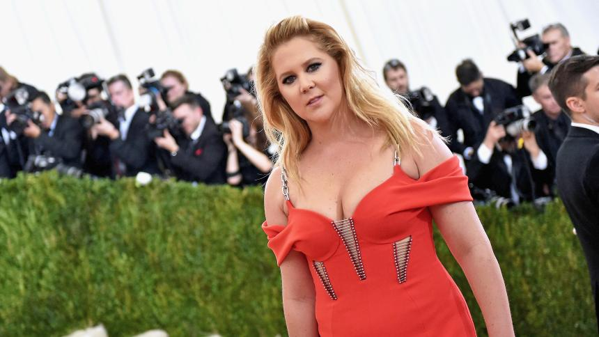 Amy Schumer's hair color is blonde