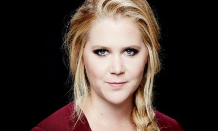 Amy Schumer is 5'7''/170 cm tall and she weighs 163 lbs/74 kg